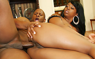 Black Anal Slut Bunny Knight Has Her Asshole Disconnected