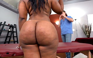 BBW Starless Ms London Wants A Little Roughly Than A Massage