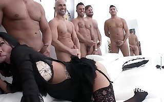 Big butt floosie Veronica Avluv gets her asshole destroyed in 10 on 1 gangbang