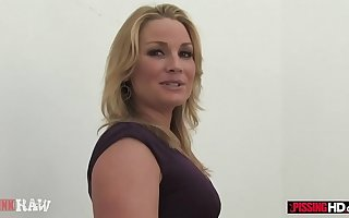 Flower Tucci drinks his piss with the addition of sucks his dick