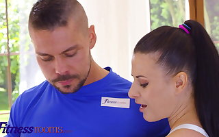 Fitness Rooms Big tits brunette Euro toddler Billie Star stretc