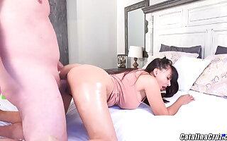 Catalina Cruz shinning ass beautiful housewife fuckdoll cam