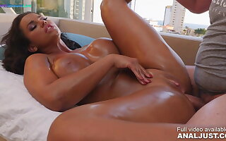 Anal chapter - Chloe Lamour oiled up coupled with nailed hard