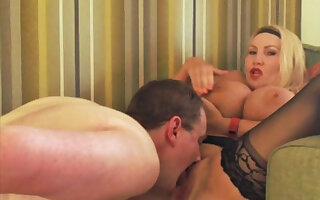 Lick my pussy make me cum !!
