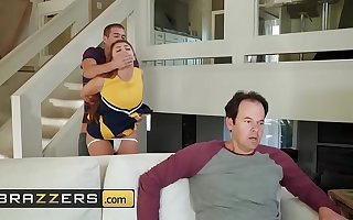 Teens like well supplied BIG - (Gia Derza, Xander Corvus) - Cheeky Cheerleader - Brazzers
